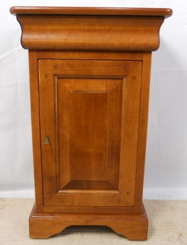 Mahogany Bedside Cabinet in the Victorian Style